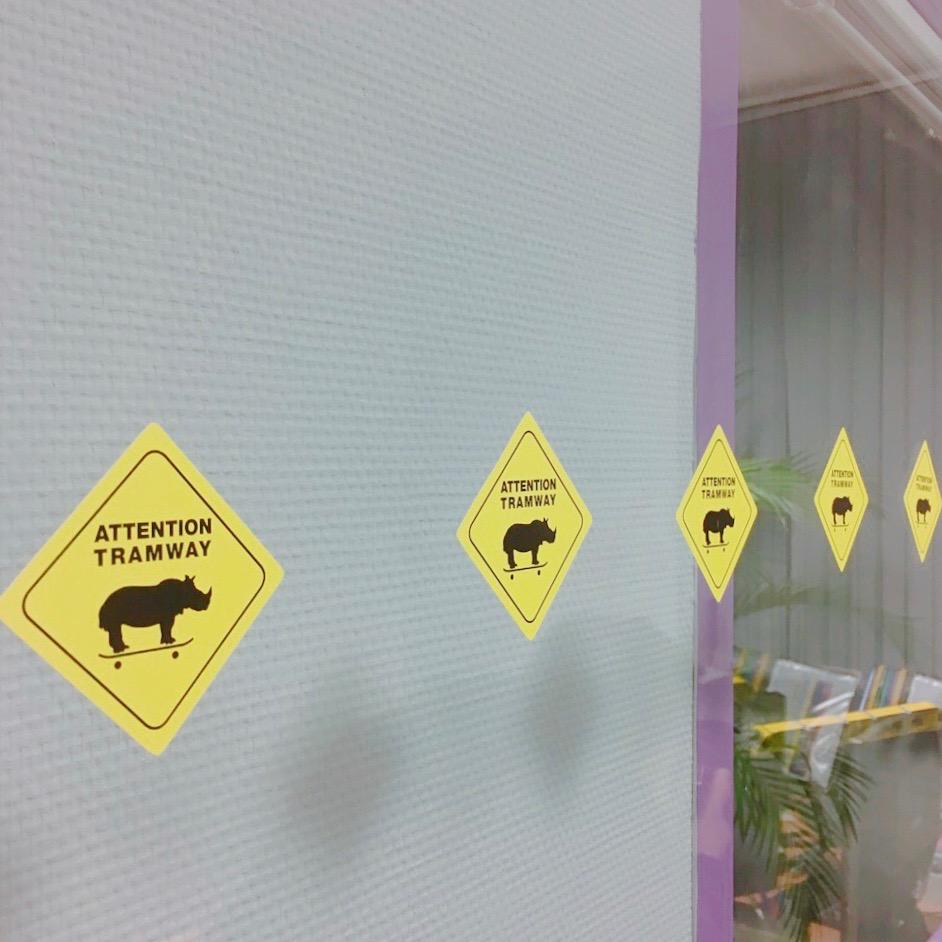 1610_instameet_tramway_vitre_stickers_rhino