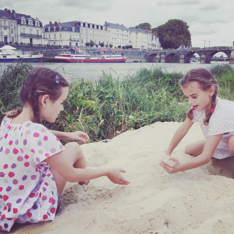 160910_accroche-coeurs_apocalypse-beach_5