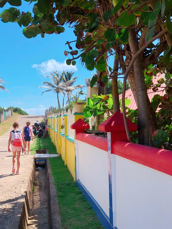guadeloupe - les saintes - vers la plage de Grande Anse