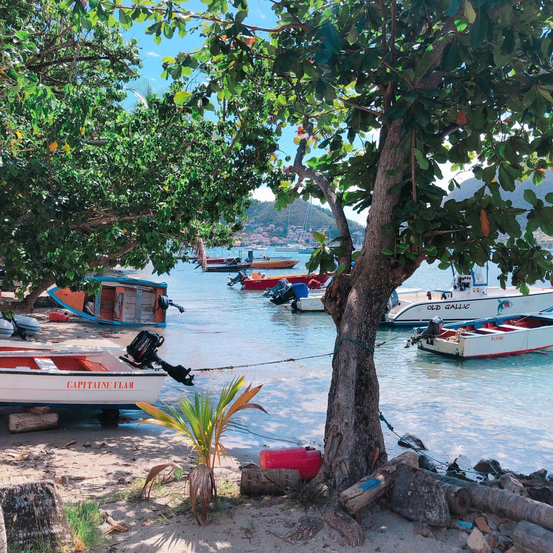 guadeloupe - les saintes - plage et bateaux