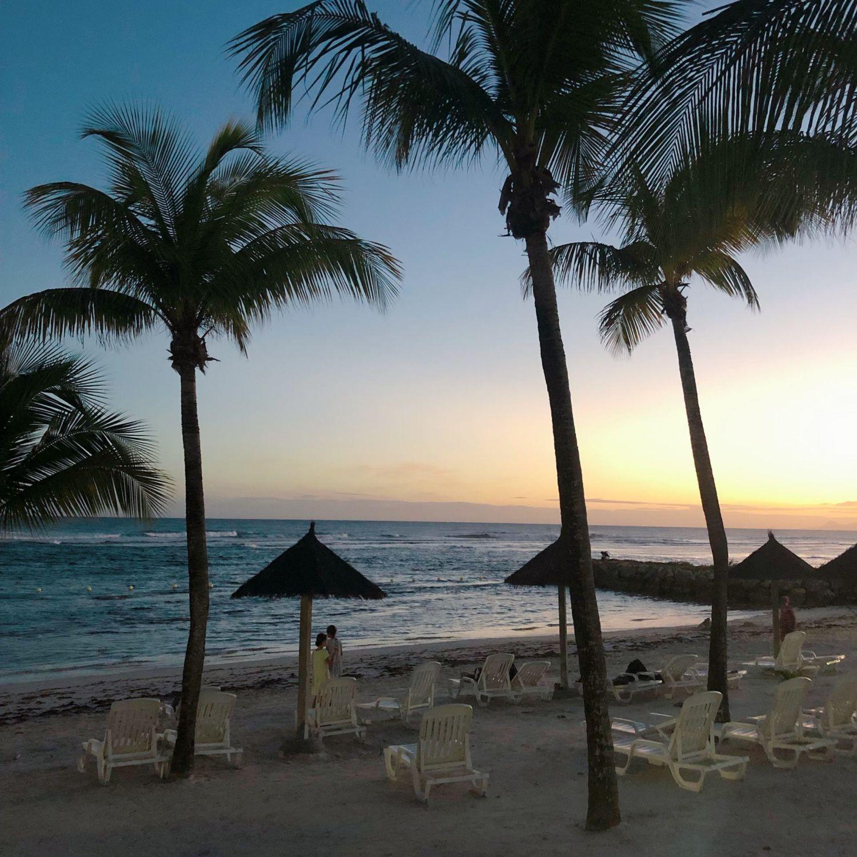pierre et vacances guadeloupe - plage privée - coucher soleil