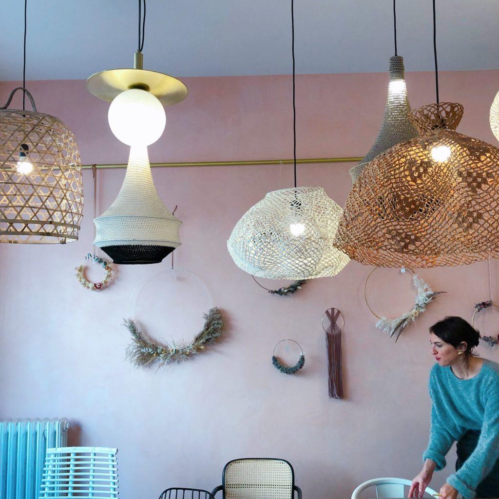 Seize Paris - intérieur boutique - mur rose